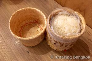 イサーン(タイ東北地方)料理 もち米(カーオニャオ)