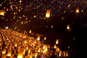 ロイクラトン - タイの灯篭流し