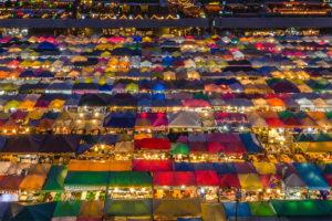 バンコクのオプショナルツアーの紹介 鉄道市場