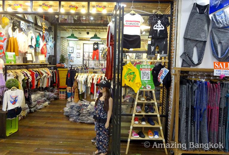 プラチナム・ファッション・モール 地下1階