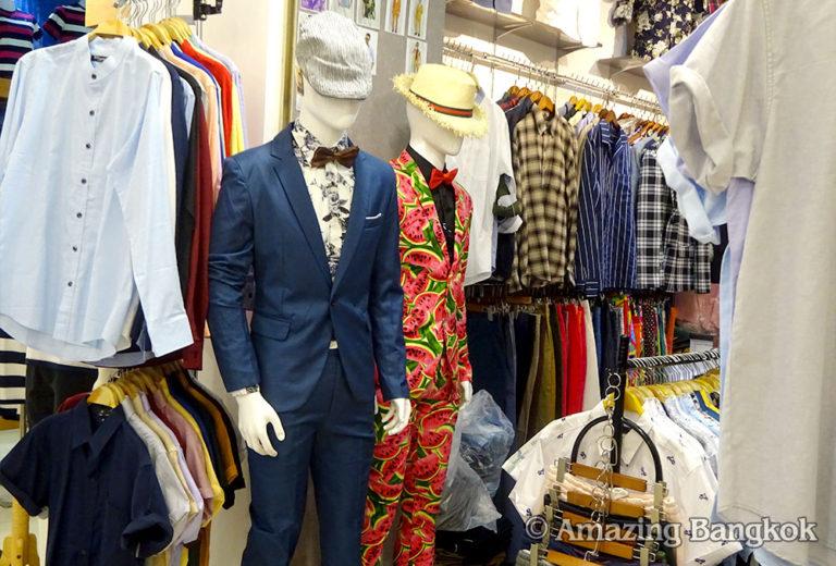 プラチナム・ファッション・モール 4階