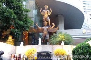 バンコクの中心でパワースポット巡り プラナーラーイ