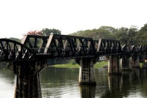 バンコクから行く、地方の有名観光地 カンチャナブリー