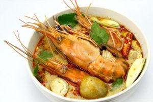 タイで食べたいエビ料理 トムヤムクン